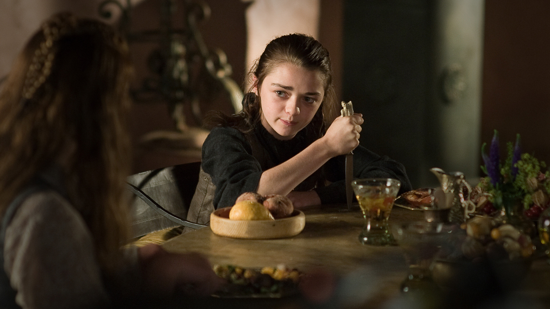 Ep03 arya knife in table 1920